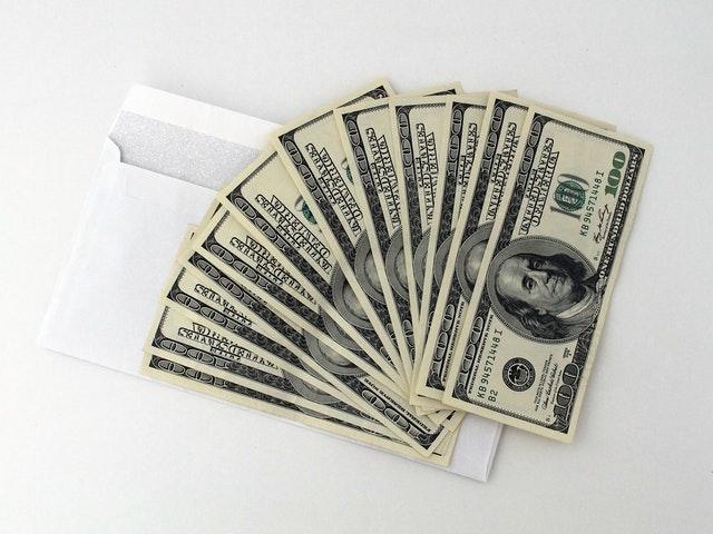 Bankovky s obálkou